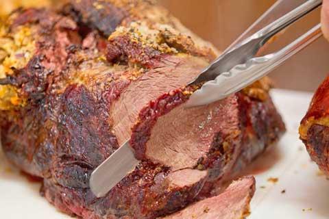 Choosing a spit roast caterer